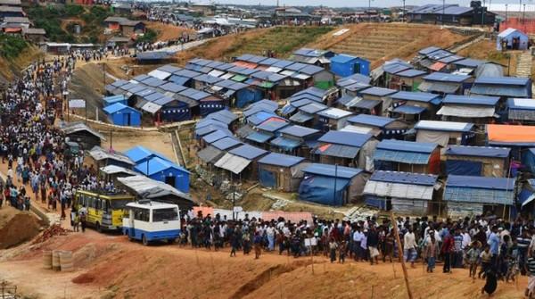 Le Bangladesh veut transférer 100 000 Rohingyas sur une île déserte