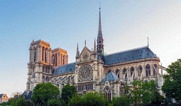 Hommage poétique à Notre-Dame de Paris