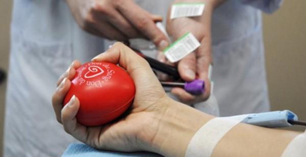 Don du sang : face à la pénurie, l'EFS appelle à une mobilisation générale