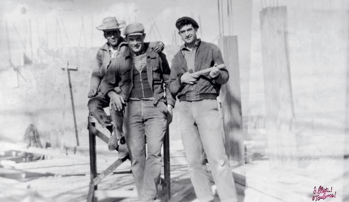 Abdallah Zidelmal sur un chantier de construction à Toulouse, années 1960. © Collection particulière de la famille Zidelmal