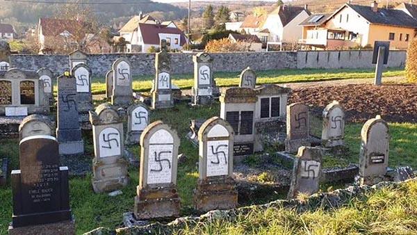 Bas-Rhin : une centaine de tombes juives profanées au cimetière de Westhoffen