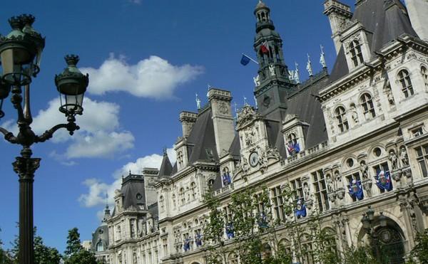 Municipales à Paris : le jeu des appareils ne fait pas forcément l'affaire des militants