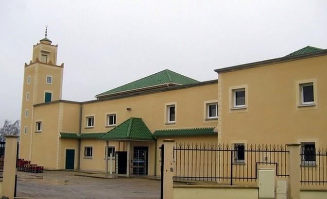 Plusieurs mosquées de l'Oise ont annoncé leur fermeture temporaire afin de limiter la propagation du coronavirus. C'est le cas de la mosquée Essalam de Creil (ici à l'image), fermée « jusqu'à nouvel ordre ».