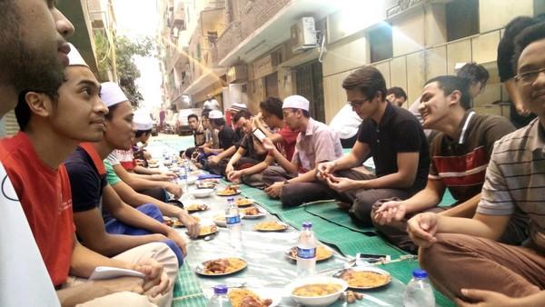 Coronavirus : les rassemblements religieux et les tables de charité interdits pendant Ramadan en Egypte