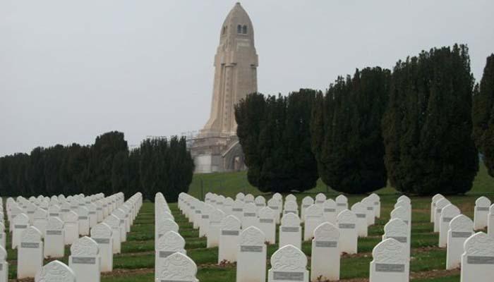 « Ils sont notre histoire » : l'hommage de Gérald Darmamin aux soldats musulmans morts pour la France