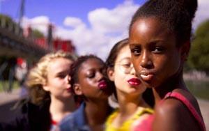 """Maïmouna Doucouré : « Il est hors de question de faire partie d'un genre cinématographique qu'on appellerait """"la diversité"""" »"""
