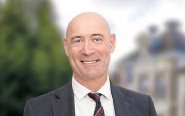 Le maire de Mantes-la-Ville taclé par le PS après ses vœux de l'Aïd aux musulmans