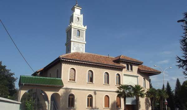 La mosquée de Tarbes dégradée par des tags islamophobes