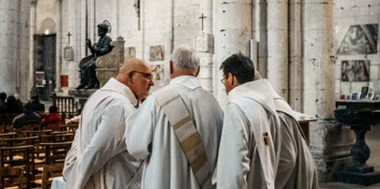 Après Conflans et Nice, des hommes d'église s'opposent ouvertement aux caricatures religieuses