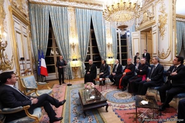 Hollande présente ses voeux 2014 aux religions