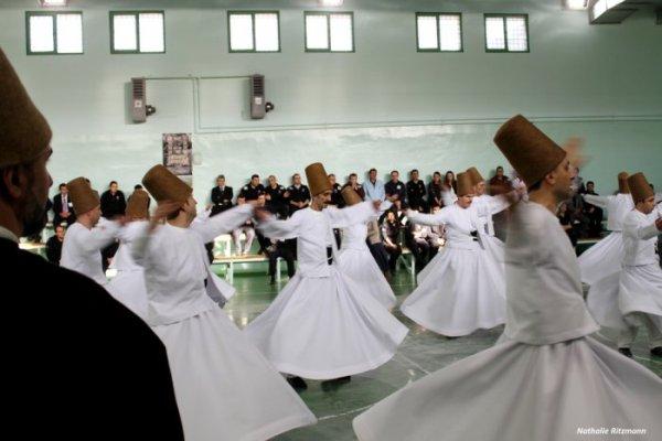 Mevlâna entre par la grande porte dans la prison-modèle d'Ümraniye