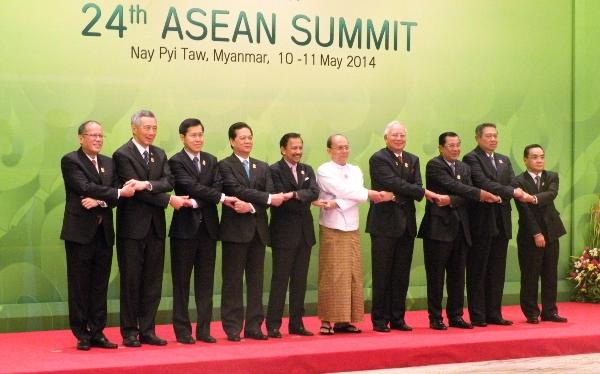 Le sommet de l'ASEAN, qui s'est tenu en Birmanie les 10 et 11 mai 2014, a totalement évacué la question des minorités ethniques persécutées de Birmanie, parmi lesquelles les Rohingyas.