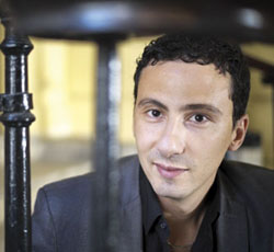 Diplômé de sociologie, de relations internationales et d'études latino-américaines, El Yamine Soum a publié avec Vincent Geisser « Discriminer pour mieux régner », en 2008,  et un ouvrage collectif  « La France que nous voulons », en 2012.