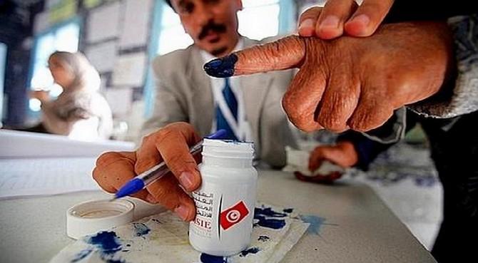 La Tunisie à l'heure de nouvelles élections libres le 26 octobre 2014, la première depuis l'adoption de la nouvelle Constitution.