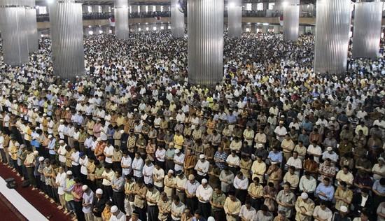 En Malaisie, de la prison pour absence à la mosquée le vendredi