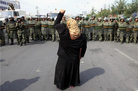 Chine : le voile interdit aux musulmanes dans la capitale du Xinjiang