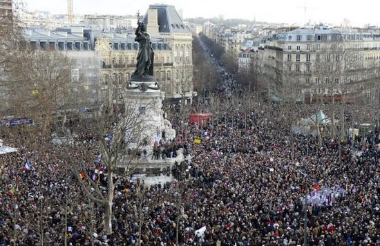 Charlie Hebdo : l'unité nationale ne doit pas être qu'un slogan