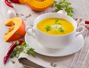Les soupes sont idéales pour se réchauffer le corps et déguster une bonne dose de légumes.