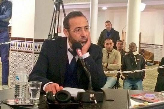 Tareq Oubrou pendant l'enregistrement des Grandes Gueules à la mosquée de Bordeaux le 13 février.