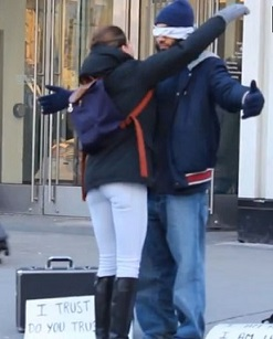Canada : Confiance aveugle, une expérience sociale contre l'islamphobie (vidéo)