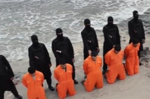 Après la décapitation de chrétiens, l'Egypte bombarde l'EI en Libye