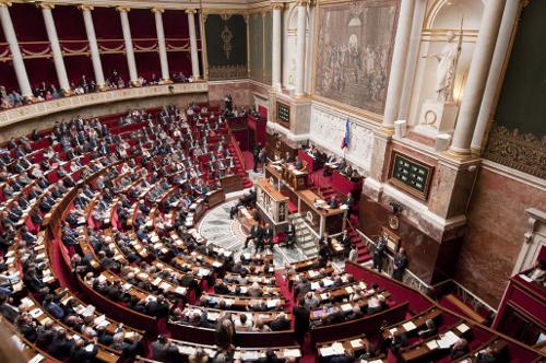 L'examen de la loi anti-nounous voilées reporté après les départementales