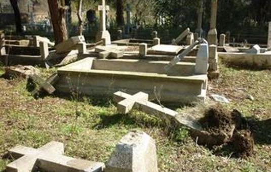 L'UMF condamne les profanations de tombes chrétiennes dans le Tarn