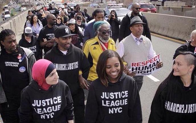 Démarrée le 13 avril, arrivée prévue pour le 21 avril devant la Maison Blanche, la Marche pour la justice #March2Justice est emmenée notamment par Linda Sarsour, Tamika Mallory et Carmen Perez.