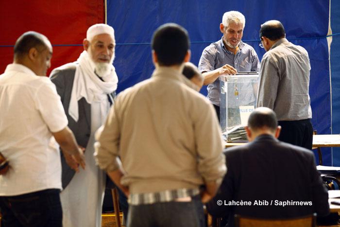 A la suite des déclarations, en février dernier, de Bernard Cazeneuve, ministre de l'Intérieur en charge des cultes, voulant impulser une nouvelle dynamique dans la représentation de l'islam de France, bon nombre de citoyens de confession musulmane s'interrogent. (Ici, une photo du scrutin de 2011 visant à élire les membres du Conseil français du culte musulman et des conseils régionaux. Photo : © Lahcène Abib)