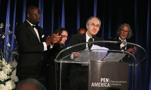 Charlie Hebdo récompensé aux Etats-Unis malgré un important boycott