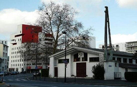 Jusqu'en 2012, la petite mosquée El Forqane était installée dans l'ancienne chapelle Saint-Christophe (Photo : © Mohamed Guerroumi)