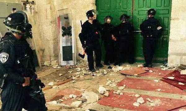 Israël entre par la force dans la mosquée d'Al-Aqsa