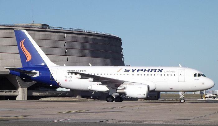 Syphax Airlines a suspendu tous ses vols vers et depuis la Tunisie depuis le 30 juillet, clouant au sol entre 10 et 30 000 clients.