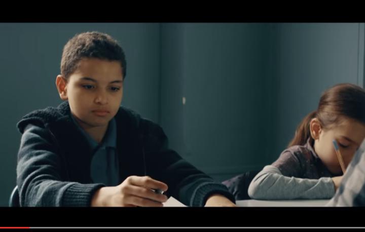 Capture d'écran du film de lancement des Mokhtar Awards 2015.