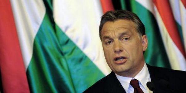 Viktor Orban, Premier ministre hongrois, mène une politique xénophobe ciblant les étrangers et les réfugiés.