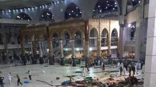 Un accident de grue à La Mecque a fait au moins 65 morts vendredi 11 septembre.