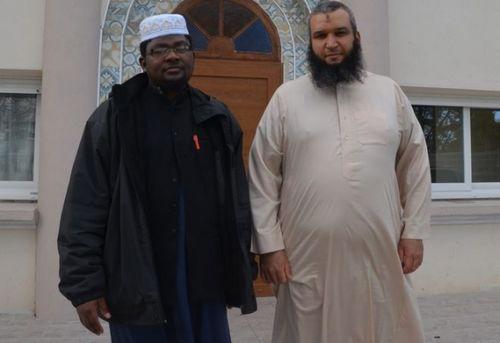 L'imam Anli Hamidani et le président de l'Association des musulmans de Quimper Redouane Zouine (à dr.) ont reçu une lettre de menaces.