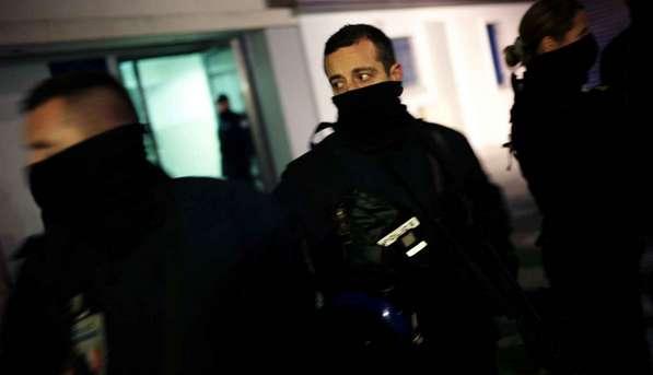 Un islamophobe interpellé avec 17 armes chez lui libéré