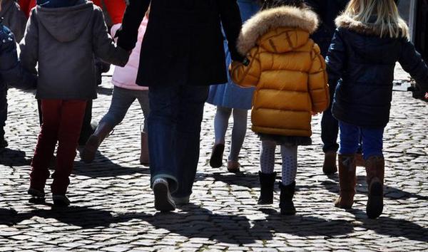Sorties scolaires : la victoire judiciaire des mères voilées de Méru