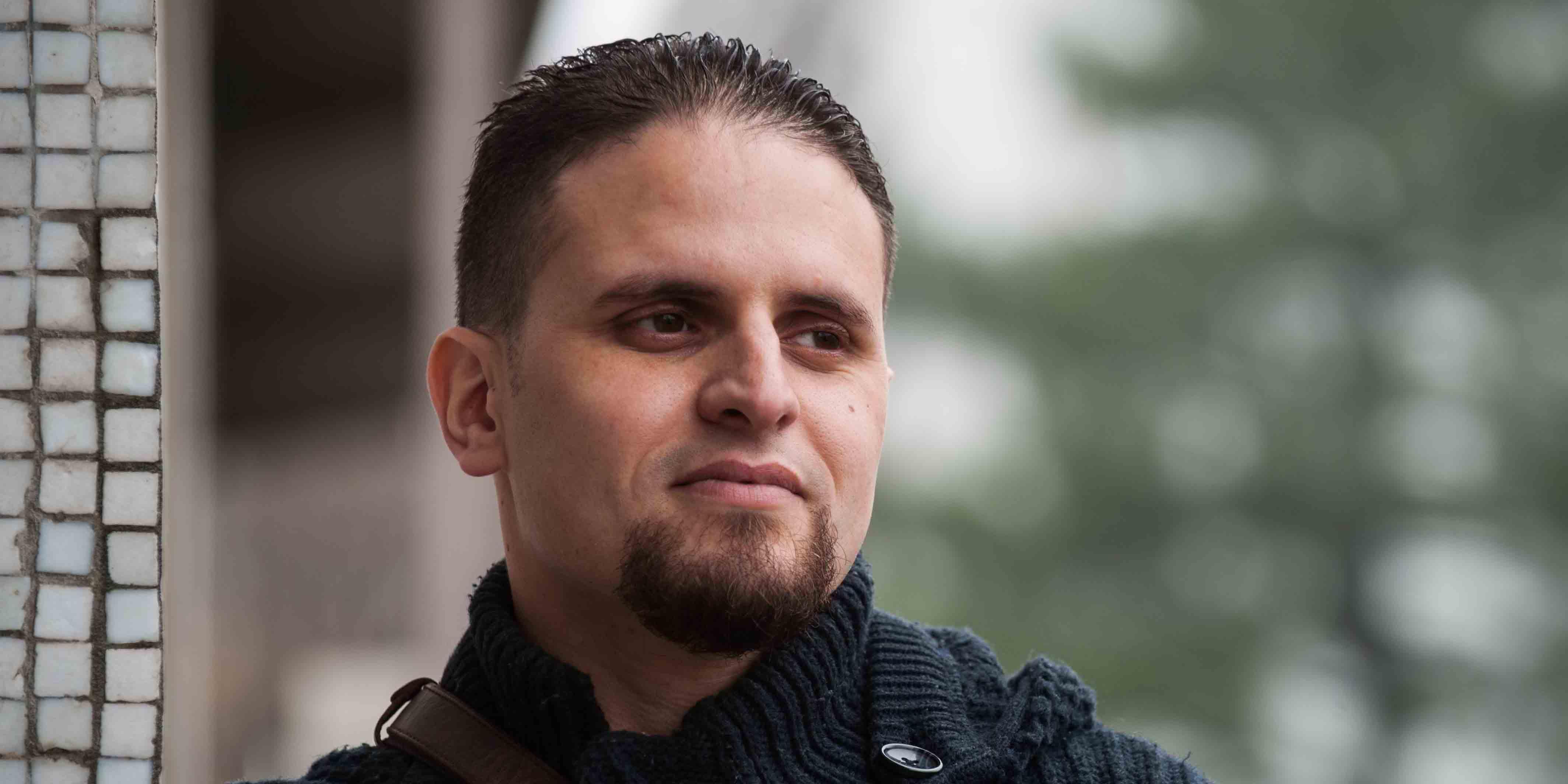 Mourad Benchellali, ancien détenu à Guantanamo qui s'est spécialisé dans la prévention au radicalisme auprès de la jeunesse depuis 2006, critique le tournant sécuritaire du gouvernement Valls.