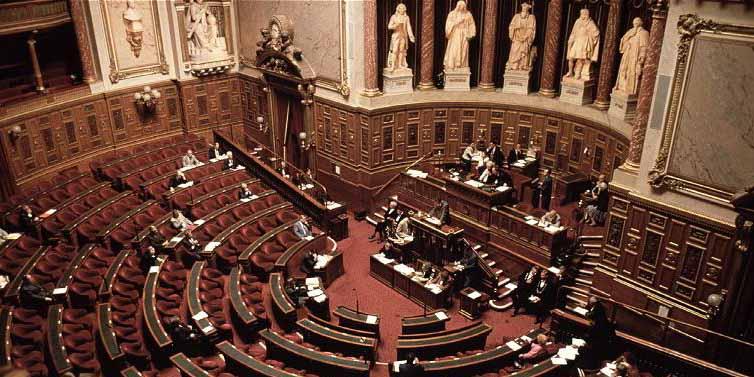 Au Sénat, pleins feux sur l'organisation et le financement de l'islam de France