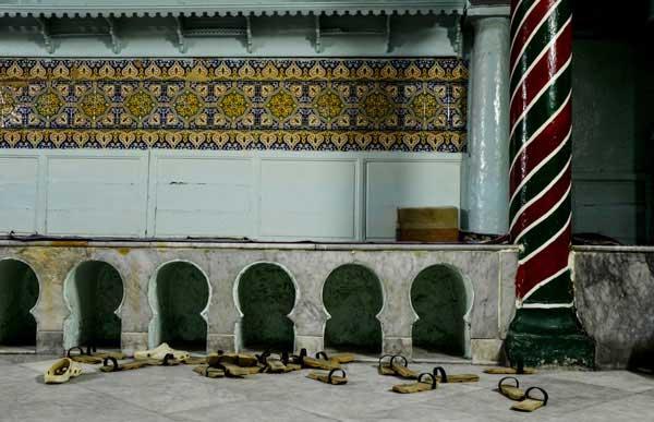 Du 11 février au 3 avril, à l'Institut des cultures d'islam, 19 photographes posent leur regard sur les hammams de la médina de Tunis. Ici, le hammam El Kachachine. (Photo : © Hamideddine Bouali)