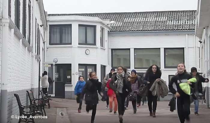 À la rentrée 2016-2017, le lycée-collège Averroès accueillera 850 élèves, soit une centaine de plus qu'aujourd'hui. Pour accompagner son développement, l'établissement privé d'enseignement musulman lance une opération de crowdfunding pour acheter un bâtiment adjacent aux locaux actuels et agrandir ainsi sa capacité d'accueil.