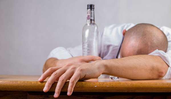 Naïma : « Je suis avec un alcoolique et je recherche un homme loyal, respectueux et responsable »