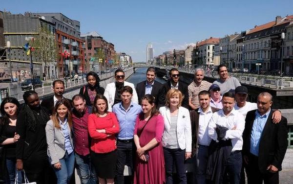 Des élus et militants associatifs de la banlieue parisienne se sont rendus dimanche 8 mai à Molenbeek contre la stigmatisation des habitants.