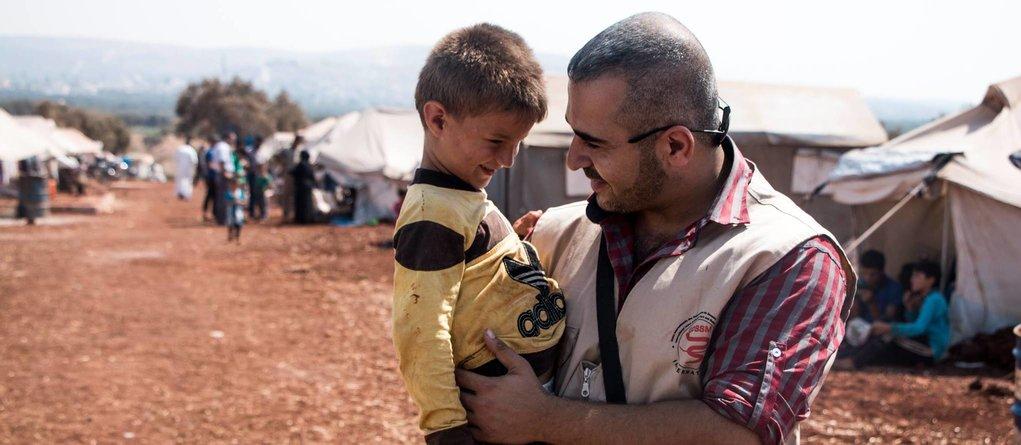 La Syrie sous les bombes, les médecins en pre...