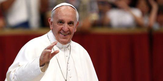 Le pape François encourage les Polonais à accueillir des réfugiés