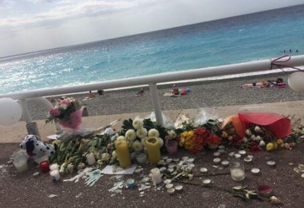 Après Nice - Affronter la haine en pleurant les morts (vidéo)