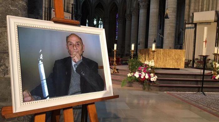 Près de 2 000 personnes se sont rendus aux obsèques du père Jacque Hamel mardi 2 août à la cathédrale de Rouen. © Philippine de Saint-Pierre/KTO TV.