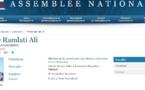 Voile ou châle, la députée Ramlati Ali répond aux attaques des identitaires (vidéo)